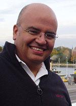 Enrique San Juan - Dirige y presenta el curso profesional de Community Manager en Barcelona